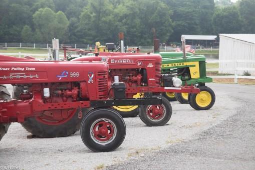 antique-tractors-12